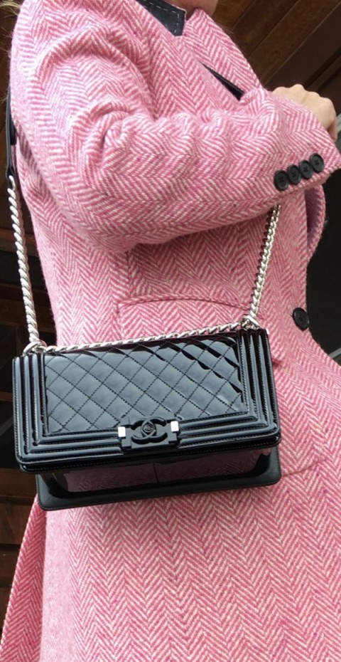 Bienvenue... Borrow a beautiful Chanel bag TODAY!